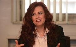 Tülin Tezer, Değer Yaratan Kadın Ödülü Aldı