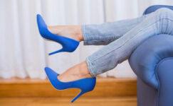 Doktorlar Uyarıyor: Her gün topuklu ayakkabı giymeyin…