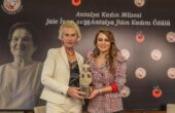 Prof. Havva İşkan Işık'a, 'Jale İnan Yılın Kadını Ödülü'