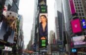 Melike Şahin, New York Times Meydanı'nda