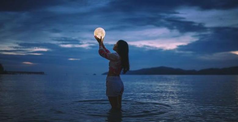 Merhametli Ve Şefkatli Bir Yeni Ay Yaklaşıyor…