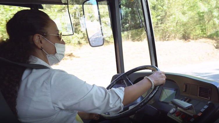 Hayali olan İETT otobüsünün direksiyonuna geçti